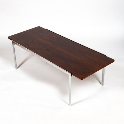 Minimalist '3501' coffee table designed by Arne Jacobsen