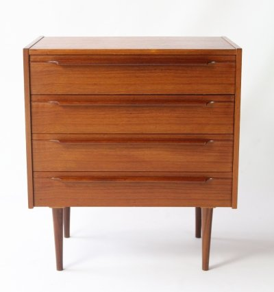 Danish design cabinet produced by Mahjongg