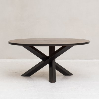 Round dining table by Martin Visser for 't Spectrum