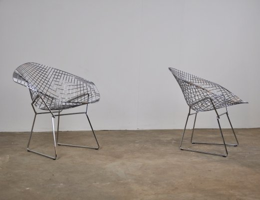 Pair of Diamond arm chairs by Harry Bertoia for Knoll International, 1990s