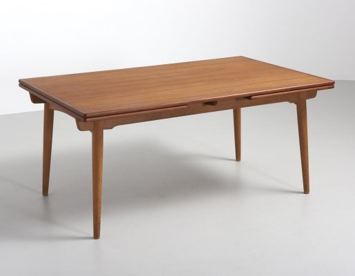 AT 312 dining table by Hans J. Wegner for Andreas Tuck