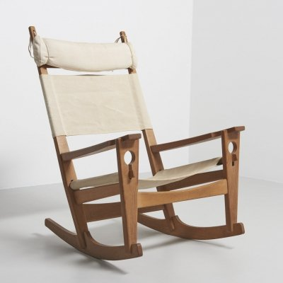 Keyhole rocking chair by Hans J. Wegner for Getama