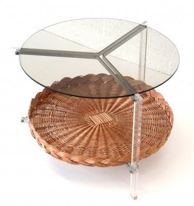 Italian vintage round coffee table made of rattan