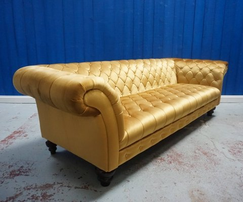 Mid Century Chesterfield Victorian Style Sofa in Golden Velvet, 1960