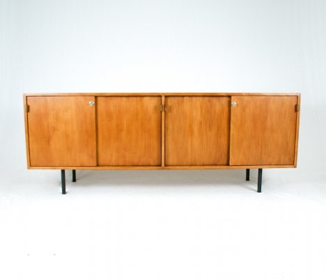 Knoll sideboard with original leather handles, 1960s