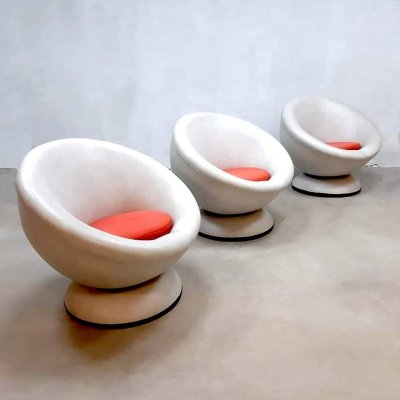 Vintage design Space Age swivel ball chair