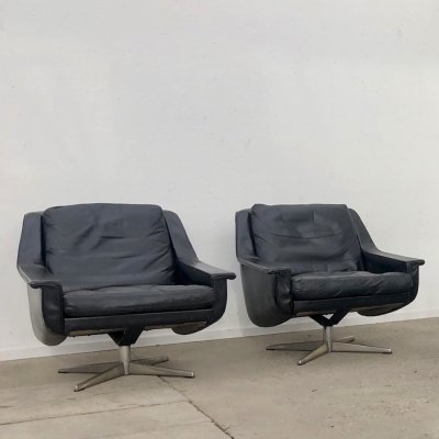 Pair of Vintage black leather lounge chairs, 1960s