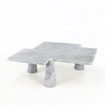 Eros series: Freccia Coffee table in marble Carrara by Angelo Mangiarotti