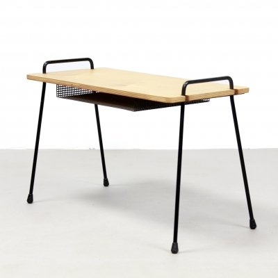 Birch Cees Braakman for Pastoe side table with metal legs