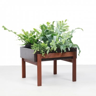 Mid century modern Danish planter in teak & brown metal