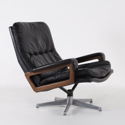 Black leather 'King' lounge chair by A. Vandenbeuck for Strässle