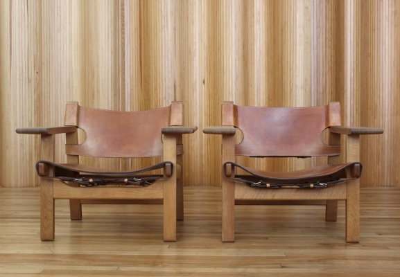 Pair of Borge Mogensen 'Spanish' chairs / model 2226 by Fredericia, Denmark 1950s