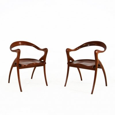 Pair of American chairs in mahogany wood, 1980s
