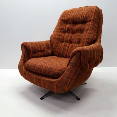 Vintage retro swivel egg lounge chair