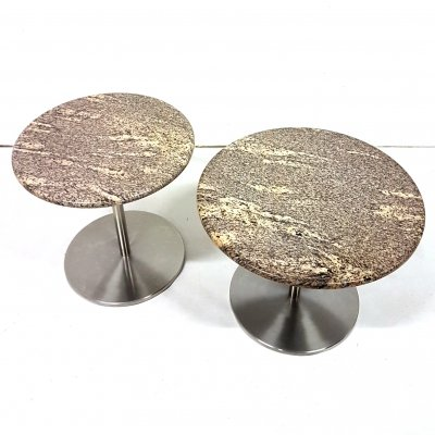 Set of 2 steel & marble side tables (50cm & 58cm ø), 1980s