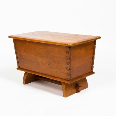 Pine chest by Franz Xaver Sproll for Sproll Möbel Bern, 1940s
