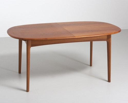 Oval dining table in teak with a foldable extension, 1960s