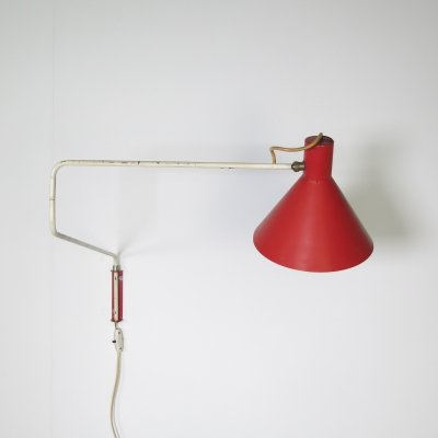 Rare red/pink coloured 'Paperclip' wall lamp by J. Hoogervorst for Anvia, 1960s