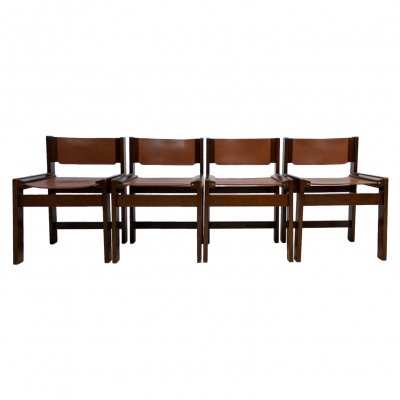 Four dining chairs in thick cognac harness leather & rare squared oak frame