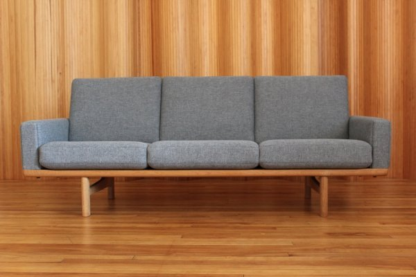 Hans Wegner model 236/3 sofa by Getama Denmark