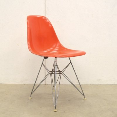 Dining chair by Charles & Ray Eames for Vitra, 1970s