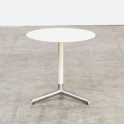 80s Round white side table on tripod metal foot
