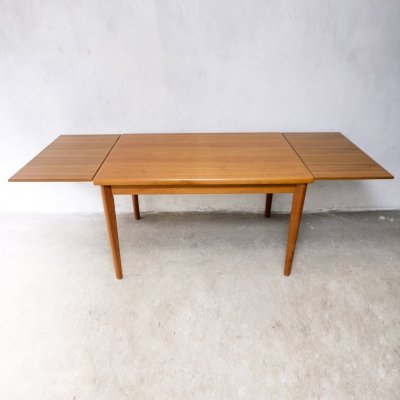 Danish Extendable Teak Dining Table from the 1960s