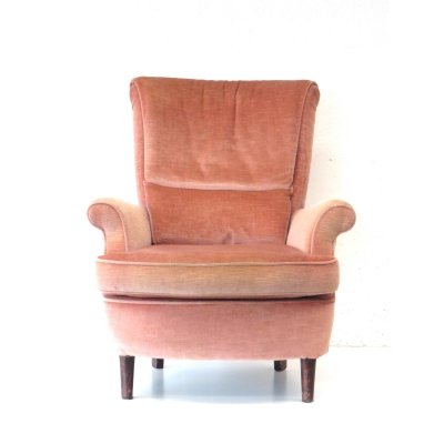 Pink velvet arm chair