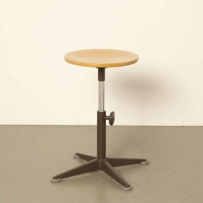 Ahrend Cirkel work stool by Friso Kramer