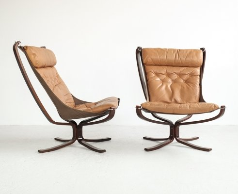 Pair of Falcon Chairs in leather by Sigurd Ressell for Vatne Møbler, 1970s