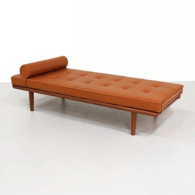 GE-19 daybed by Hans Wegner for Getama, 1950s