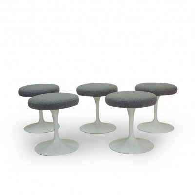 Set of 5 Eero Saarinen Tulip Stools by Knoll International, 1970s