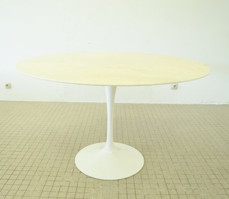 Vintage design Marble 'Tulip' dining table by Eero Saarinen for Knoll