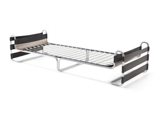 Daybed in typical Bauhaus style with a tubular chromed steel frame & leather bands