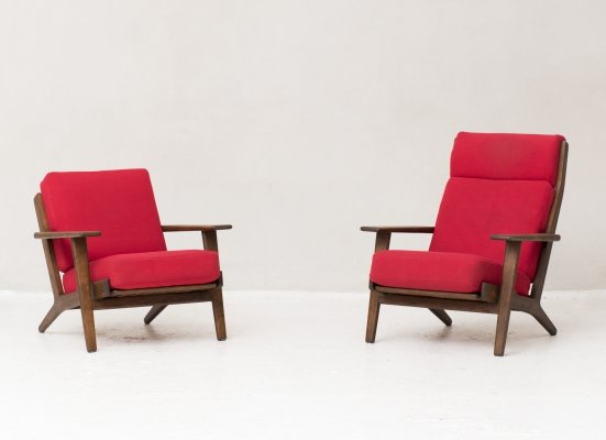 Set of two GE290 (A & B) easy chairs by Hans J. Wegner for Getama Denmark, 1960's