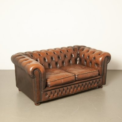 Chesterfield 2-seater sofa