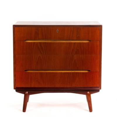 Vintage teak Danish chest of drawers with recessed pulls & solid teak edges
