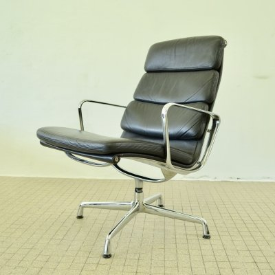 EA216 lounge/lobby chair by Eames for Herman Miller / Vitra