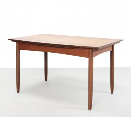 Teak extendable dining room table by Dutch manufacturer Topform