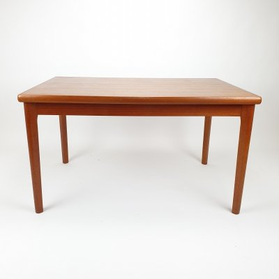 Mid Century extandable dining table by Henning Kjaernulf for AM Mobler, 1960s