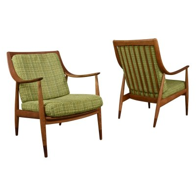 Pair of FD-146 lounge chairs by Hvidt & Molgaard, Denmark 1954