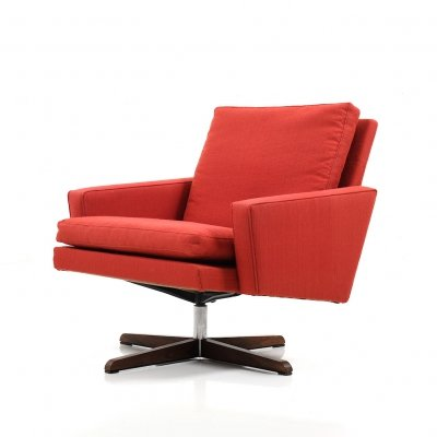Mid Century Danish swivel Lounge Chair