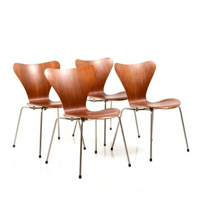 Set of Four early Arne Jacobsen 'Series 7' Chairs in Teak