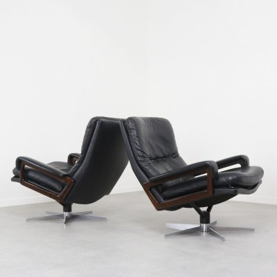 Vintage pair of King lounge chairs by André Vandenbeuck for Arflex, Italy 1960s