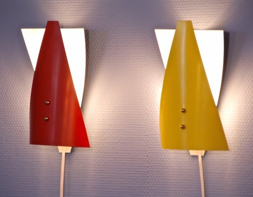 Set of 2 rare Dutch wall lights in red & yellow, 1960s