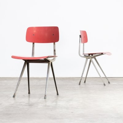 Pair of Friso Kramer 'result' chairs for Ahrend de Cirkel, 1950s
