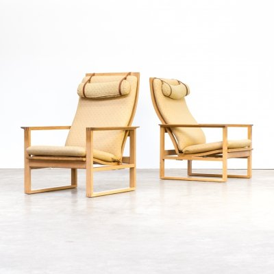 Pair of Borge Mogensen chairs for Fredericia Stolefabrik, 1970s