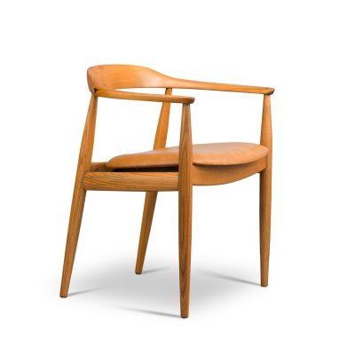 Illum Wikkelso oak easy chair