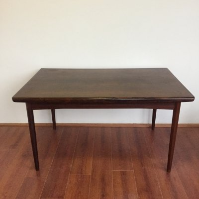 Extendable Danish design rosewood dining table
