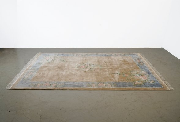 Carpet made of Chinese natural silk, flower tendrils in beige or blue fields